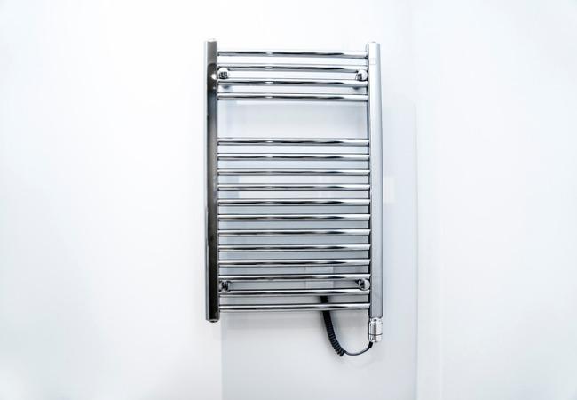 Badkamer Radiator Elektrisch : Elektrische handdoekradiatoren soorten prijs tips